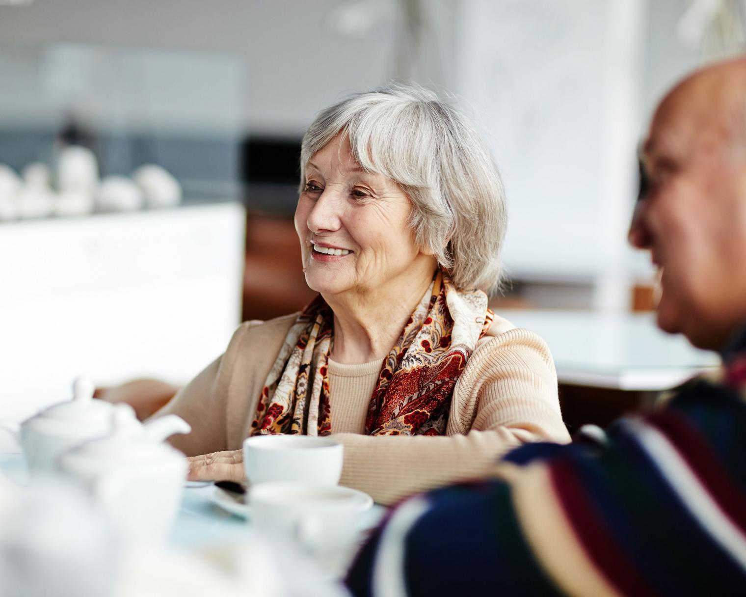 Seniorengruppe im Gespräch