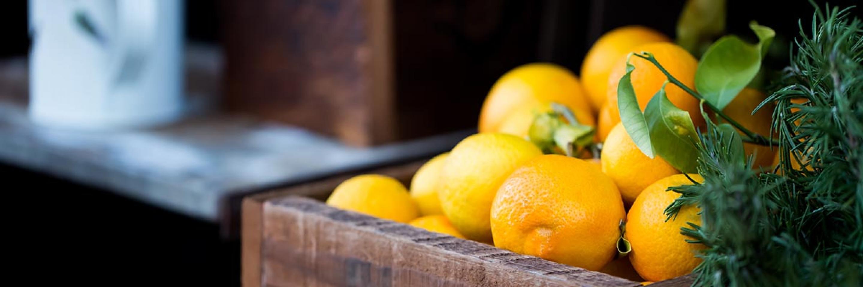 Box containing oranges