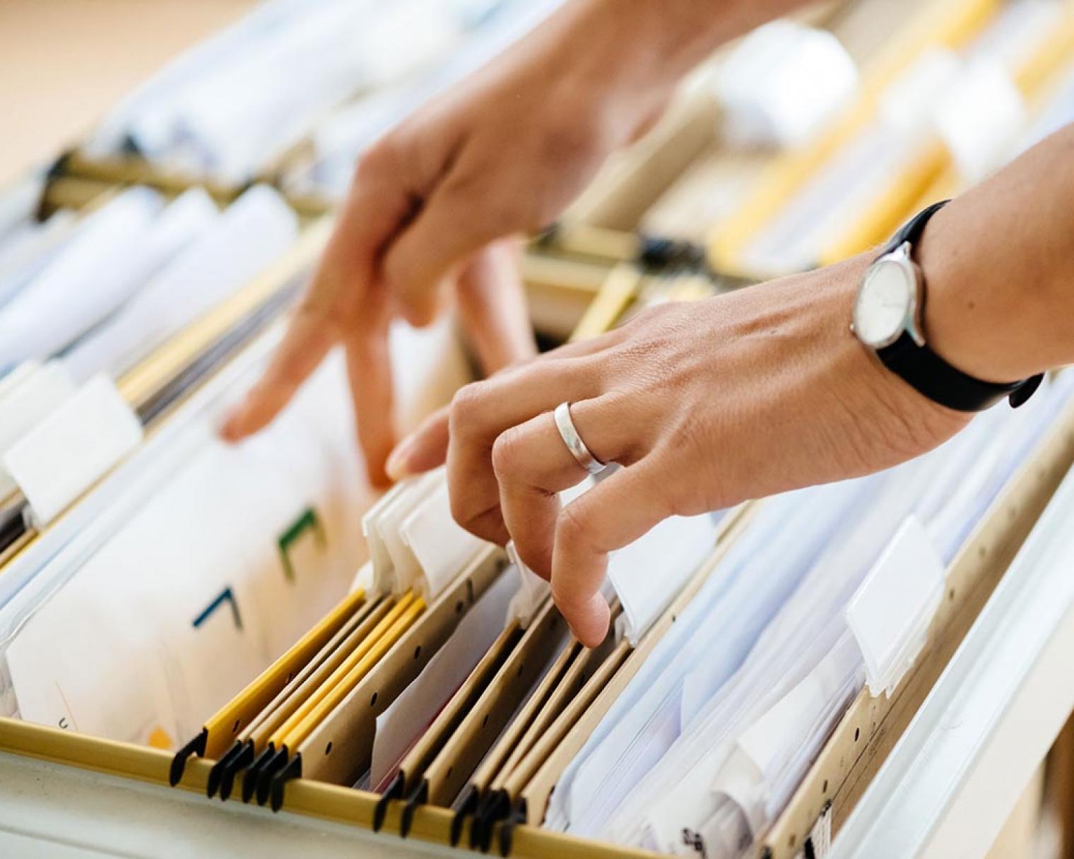 Browsing manual files and envelopes